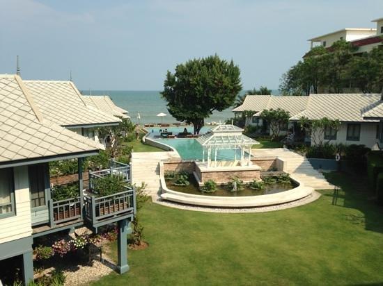 Devasom Hua Hin Resort:                   Traumhaft schöner Blick vom Balkon
