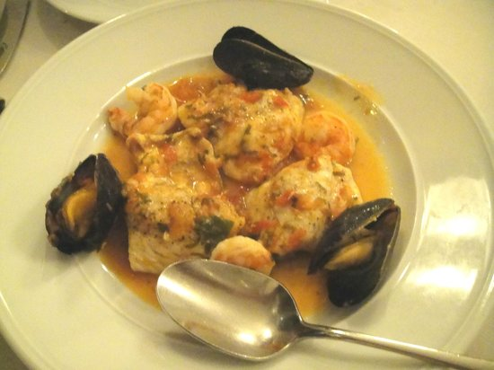 cielo:                   Fish in tomato broth with mussels