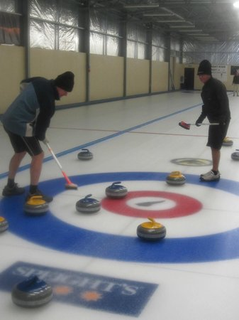Waipiata Country Hotel:                   Curling