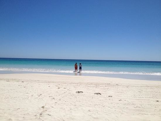 Mullaloo Beach :                   Beautiful Mullaloo!