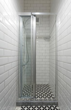 Portus House Istanbul: Shower Only