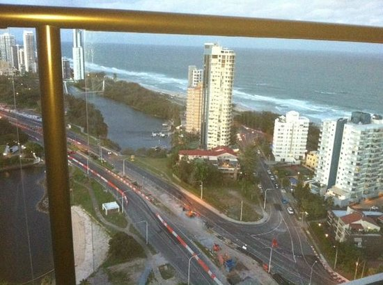 Surfers Paradise Marriott Resort & Spa:                   View from 25th floor balcony outside