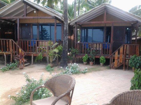 Marron Sea View Resort :                   our hut