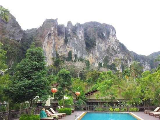 Aonang Phu Petra Resort, Krabi Thailand:                                                       cliff view