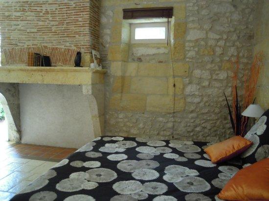 Domaine de Grande Font : Comfortable bed