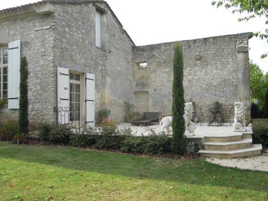 Domaine de Grande Font : Another suite seemed to be the largest and had a private terrace