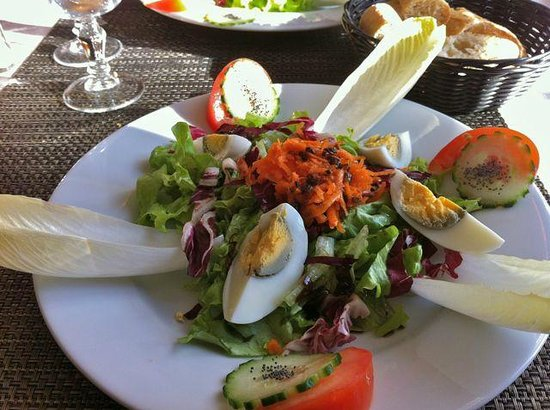 Auberge Pierry:                                                                         Salade de Crudités