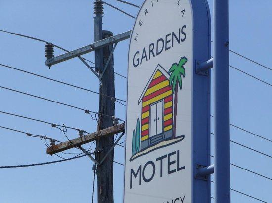 Merimbula Gardens Motel: Front signage