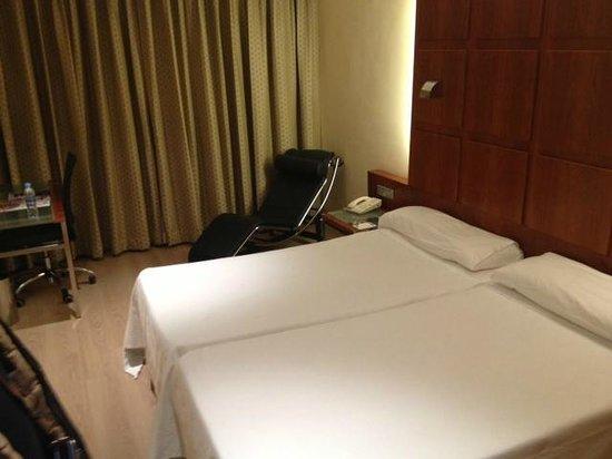 TRYP Valencia Azafata Hotel: camera