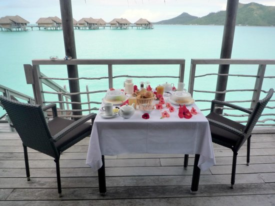 InterContinental Bora Bora Resort & Thalasso Spa: Petit déj au Paradis...