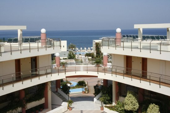 Hydramis Palace Beach Resort: GENERAL VIEW