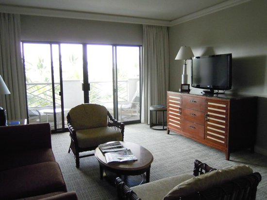 Fairmont Orchid, Hawaii: Spacious living room