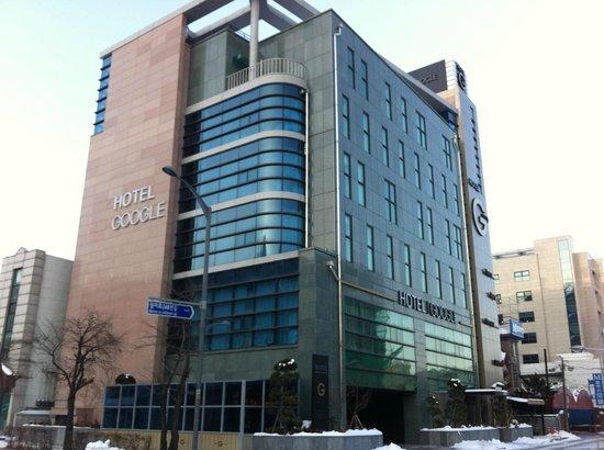 I Google Hotel:                   旅館外觀