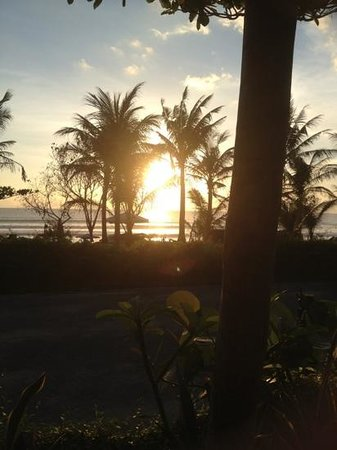 Padma Resort Legian:                                     Sunset Bar