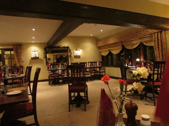 The Crown At Hopton:                   The Dining Room