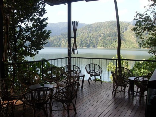 Belum Rainforest Resort: restaurant bar