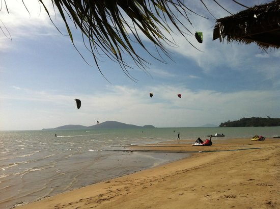 Friendship Beach Resort & Atmanjai Wellness Centre:                   View from the restaurant: Kitesurfing nearby