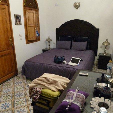 Riad Mouna:                   puerta entrada y ventana