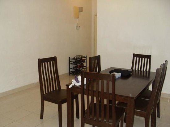 Sumai Hotel Apartment: dining hall