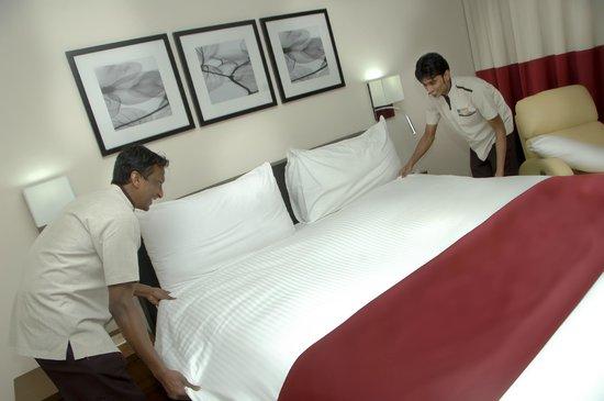 Novotel Suites Riyadh Olaya : Guest Room