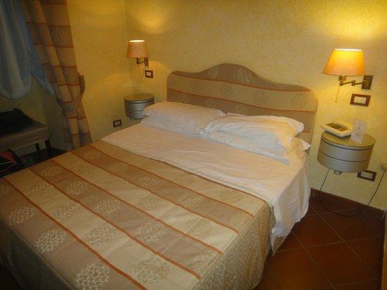 Hotel de la Pace:                   Camera da letto