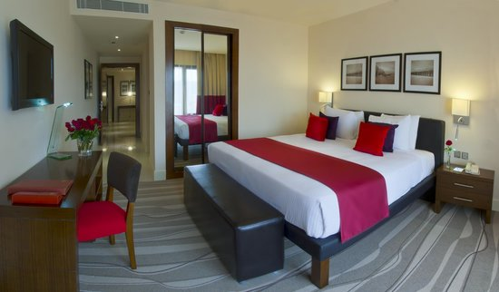 Novotel Suites Riyadh Olaya : Suite Bed Room