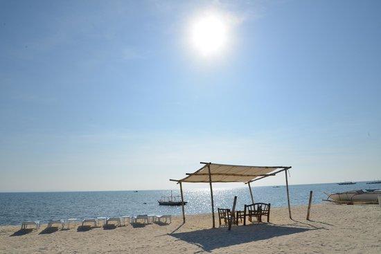 AABANA Beach & Watersport Resort Malapascua:                                     Front Beach