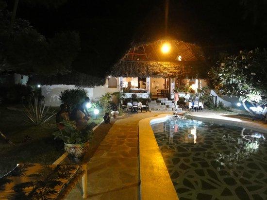Luna House Malindi:                                     Le soir c'est une féérie !