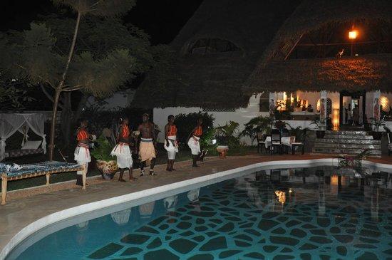 Luna House Malindi:                                     Danseurs pour une soirée privée à Luna House