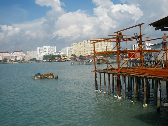Chew Jetty:                   veiw of the new town