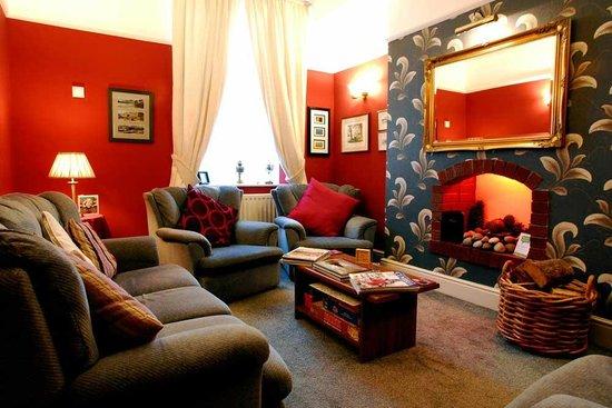 Avondale Guest House: Guest Lounge