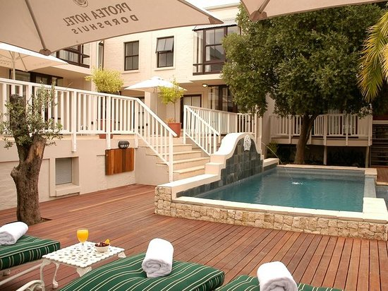 Protea Hotel by Marriott Stellenbosch Dorpshuis & Spa: Swimming Pool