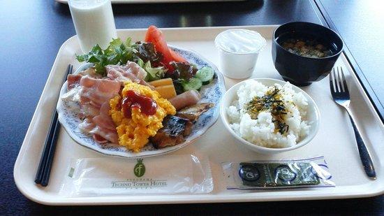 Yokohama Techno Tower Hotel:                   朝食バイキング