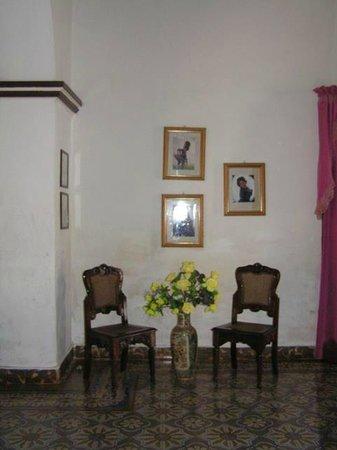 Hostel Yaquelin Arrechea:                                     Detalle de las paredes del salón.