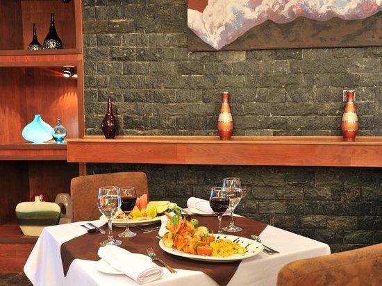 BON Hotel Delta: Restaurant