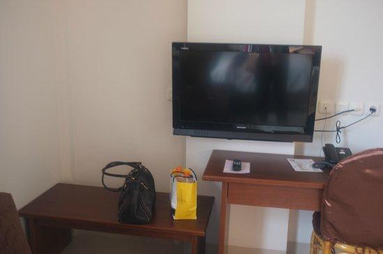 Asoka Hotel : LCD