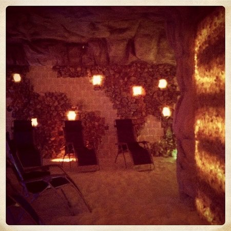 Salis Halotherapy Grotta DI Sale
