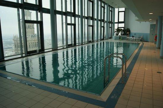 InterContinental Warszawa: Vue depuis la piscine de l'hôtel (au 43ième étage)