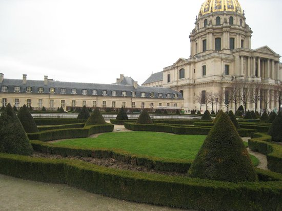 Musée de l'Armée (Muzeum Armii): The view from the park
