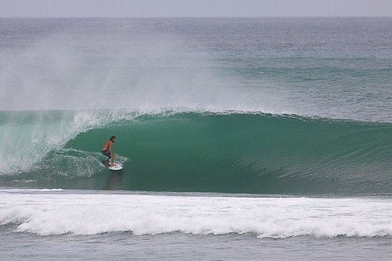 Fraser Baye Villas:                   The quality of waves on offer