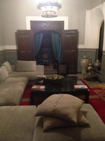 Riad Ines Home :                                     salon