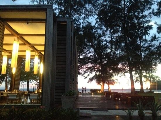 Costa Lanta:                                     sunset&restrant