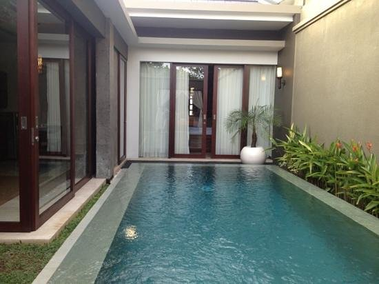 Seminyak Icon:                                                       lovely clean pool