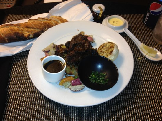 Le Meridien Philadelphia:                                     French bread was out of this world !