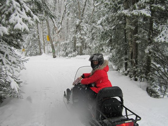Hastings Resort :                   Snowmobile route