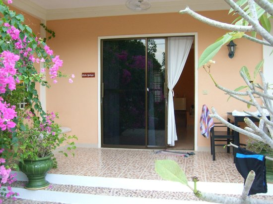 "Malibu Estates Bungalows Resort: chambre ""palm springs"""