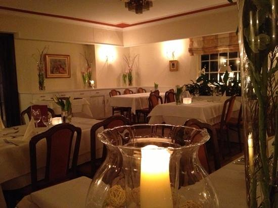 Romantik Hotel Fuchsbau:                   Der Speisesaal