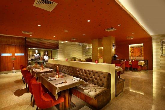 Park Plaza Delhi CBD Shahdara: Chingari - Fine dining indian restaurant