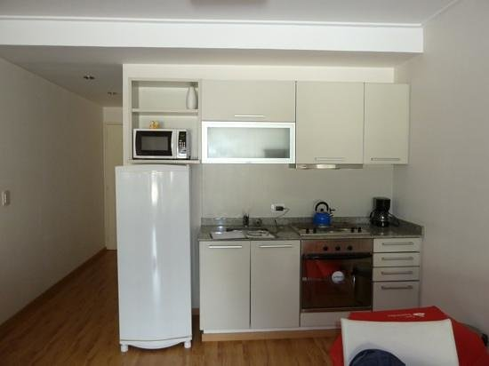 Silver Soho Suites: kitchenette and hallway