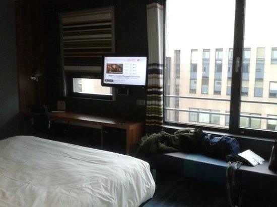 ‪‪Aloft Brussels Schuman Hotel‬:                   Chambre + TV